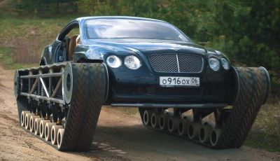 Tuning dalla Russia: ecco la Bentley con il cingolato per andare ovunque