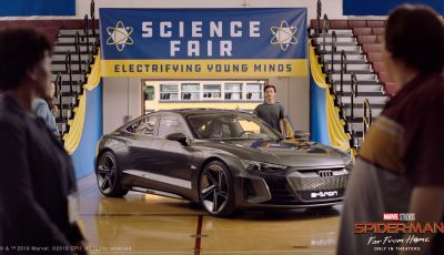[VIDEO] Spider-Man guida una Audi e-tron GT per il concorso di scienze