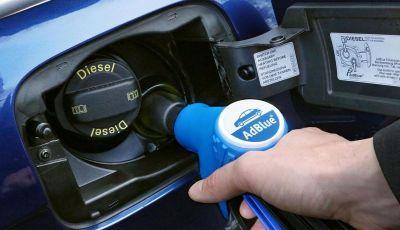 AdBlue: Cos'è, quanto costa e a cosa serve l'additivo auto per abbassare i consumi