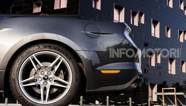 [VIDEO] Prova Ford Mustang da 450CV: Il Cavallo di Razza Americano! - Foto 33 di 36