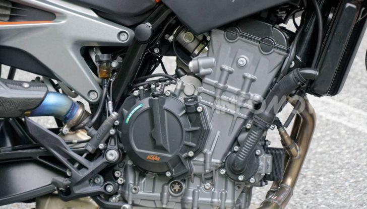 """Prova KTM Duke 790, il """"parcogiochi"""" sotto quota 10 mila (euro)  - Foto 7 di 54"""