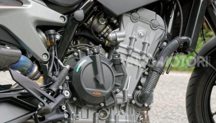 """Prova KTM Duke 790, il """"parcogiochi"""" sotto quota 10 mila (euro)  - Foto 13 di 54"""