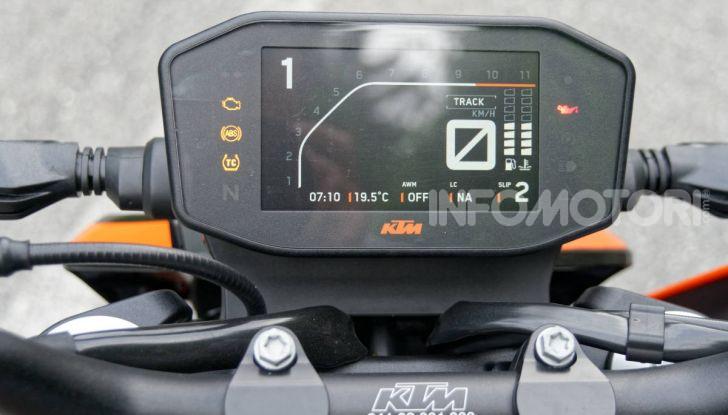 """Prova KTM Duke 790, il """"parcogiochi"""" sotto quota 10 mila (euro)  - Foto 16 di 54"""