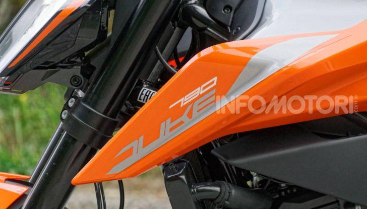 """Prova KTM Duke 790, il """"parcogiochi"""" sotto quota 10 mila (euro)  - Foto 23 di 54"""