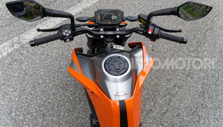 """Prova KTM Duke 790, il """"parcogiochi"""" sotto quota 10 mila (euro)  - Foto 30 di 54"""