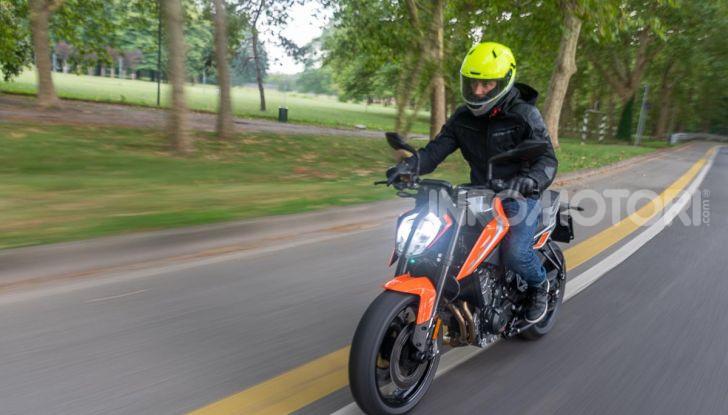 """Prova KTM Duke 790, il """"parcogiochi"""" sotto quota 10 mila (euro)  - Foto 35 di 54"""