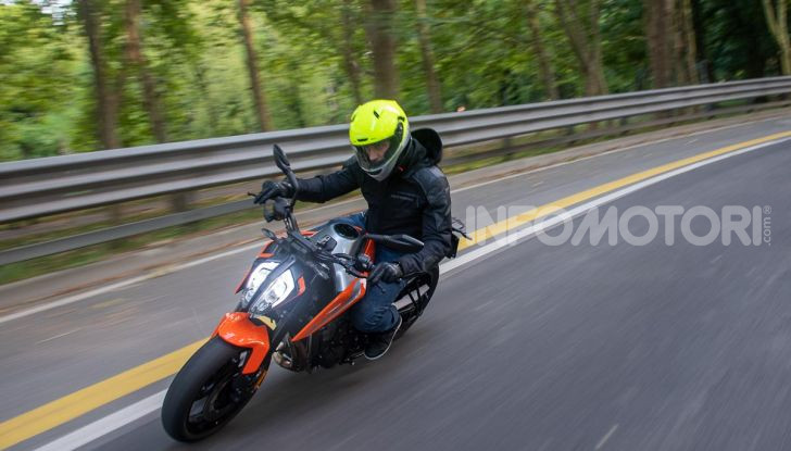 """Prova KTM Duke 790, il """"parcogiochi"""" sotto quota 10 mila (euro)  - Foto 39 di 54"""
