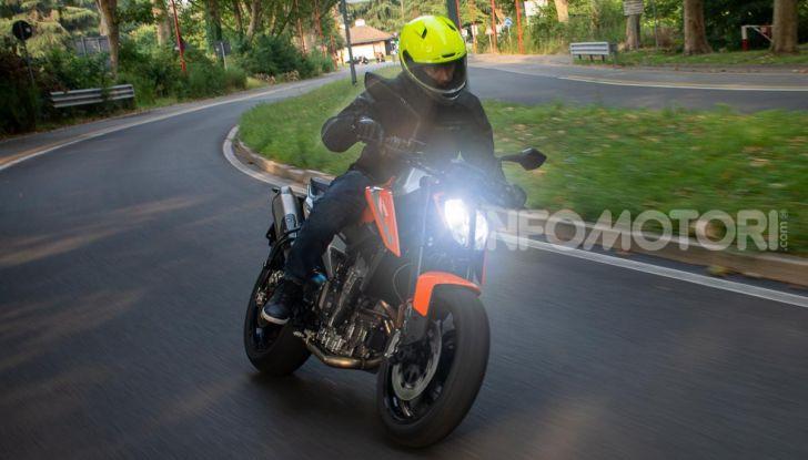 """Prova KTM Duke 790, il """"parcogiochi"""" sotto quota 10 mila (euro)  - Foto 41 di 54"""