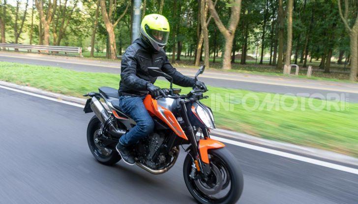 """Prova KTM Duke 790, il """"parcogiochi"""" sotto quota 10 mila (euro)  - Foto 43 di 54"""
