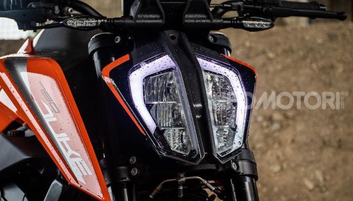 """Prova KTM Duke 790, il """"parcogiochi"""" sotto quota 10 mila (euro)  - Foto 51 di 54"""