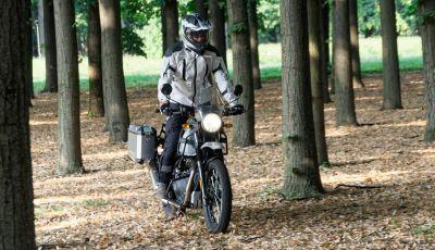 """Prova Royal Enfield Himalayan, il gusto dell'andare in moto """"facile"""""""