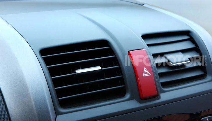 Frecce alla guida: come utilizzare correttamente gli indicatori di direzione - Foto 6 di 10