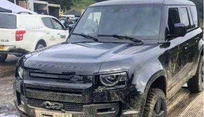 Nuovo Land Rover Defender 2020: le spy photo in pista e su strada