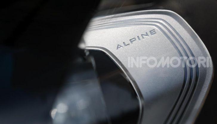 [VIDEO] Prova Alpine A110: i cinque motivi per avere il piccolo gioiello francese - Foto 8 di 45