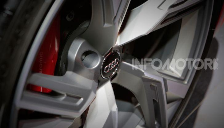 Audi RS6 Avant: un po' station wagon un po' supercar - Foto 16 di 23