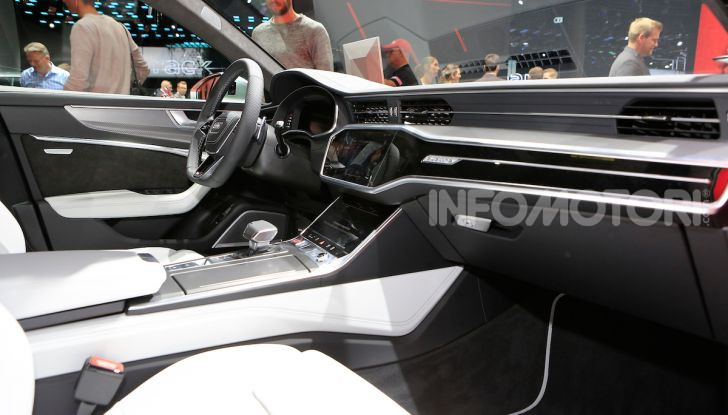Audi RS6 Avant: un po' station wagon un po' supercar - Foto 19 di 23