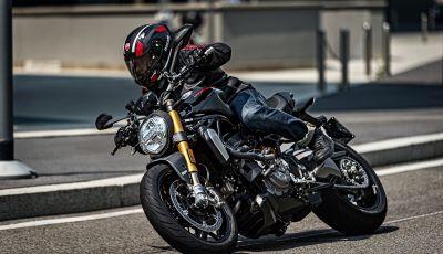 """Ducati Monster 1200 S """"Black on Black"""": la Rossa si veste di nero"""