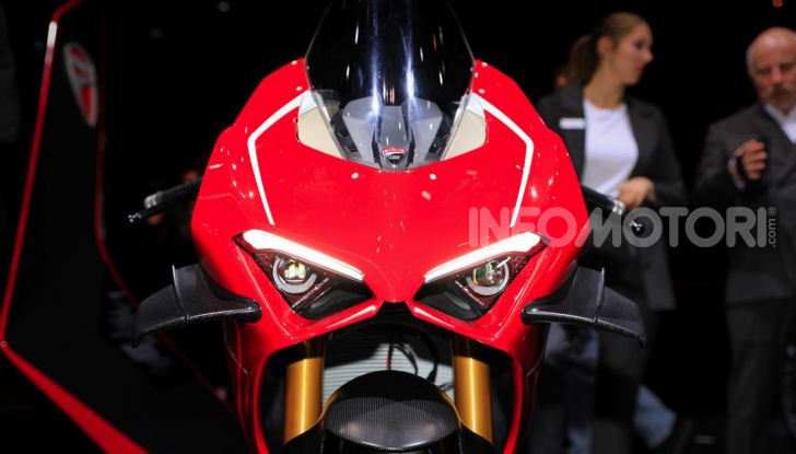 La Ducati Panigale V4R in dotazione alla polizia Abu Dhabi - Foto 4 di 8