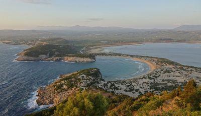 Viaggi in moto, Grecia: il giro del Peloponneso con una Suzuki V-Strom 1000 XT