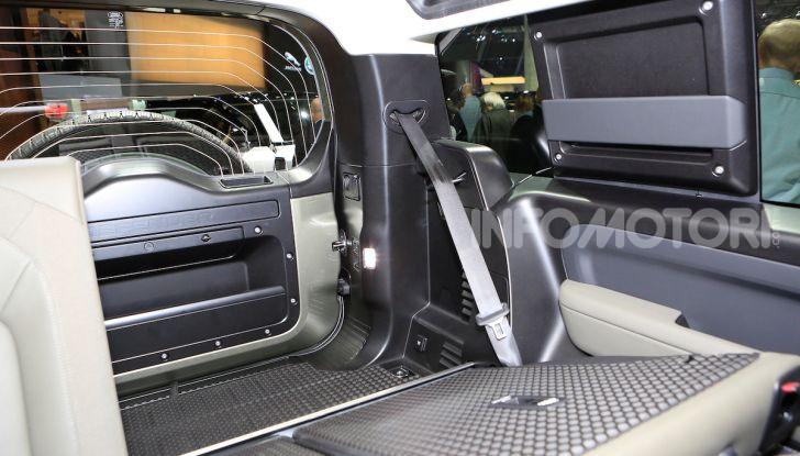 Land Rover Defender 2019, dati e informazioni - Foto 38 di 47