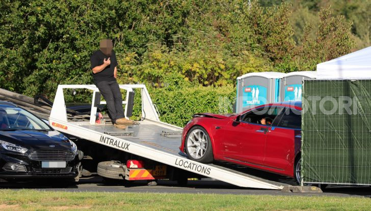 Tesla Model S al Nurburgring per battere il record della Porsche Taycan - Foto 19 di 35