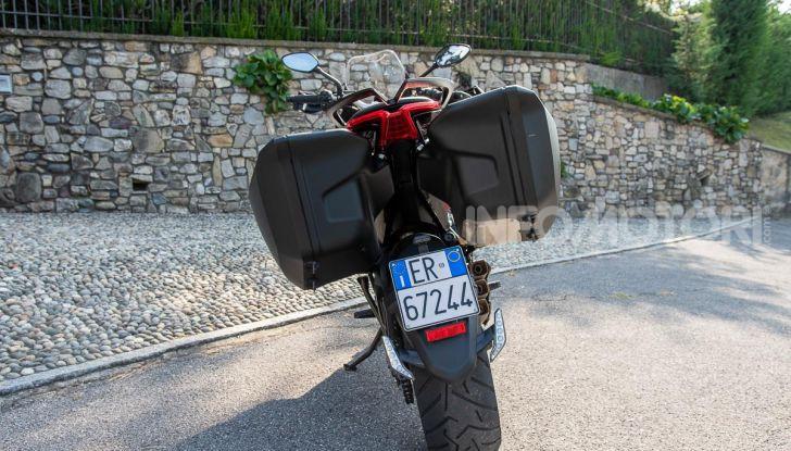 MV Agusta Turismo Veloce Lusso SCS, affilata come una Brutale, comoda come uno scooter - Foto 18 di 58