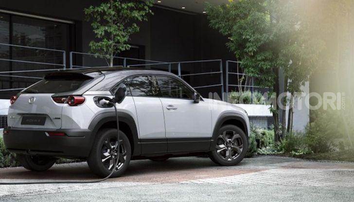 Mazda MX-30: l'auto elettrica con materiali ecologici - Foto 7 di 8