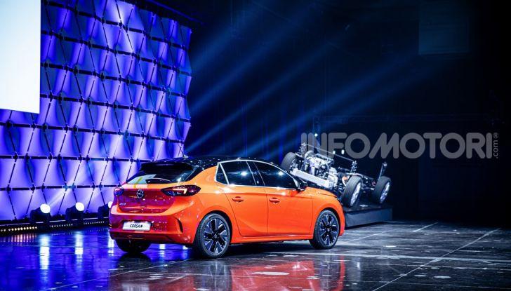 [VIDEO] Un viaggio al centro dell'elettrico con Opel! - Foto 3 di 27