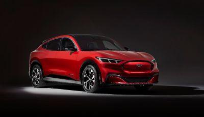 Ford Mustang Mach-E: per il SUV elettrico servono 50.000 euro