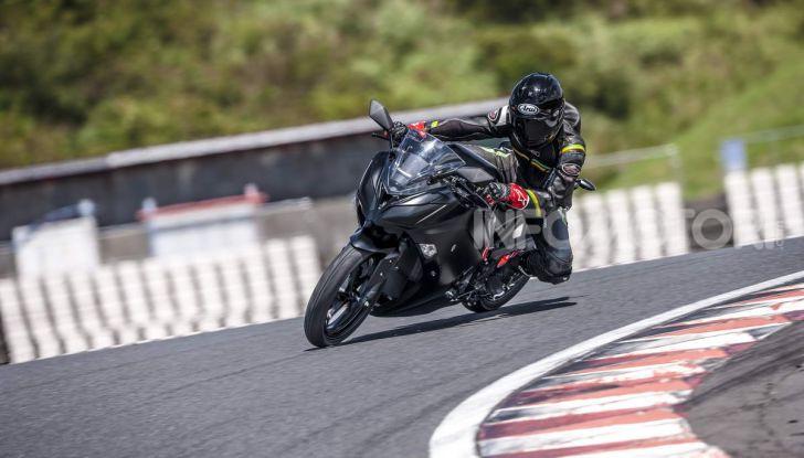 Kawasaki accelera verso la produzione della prima moto elettrica - Foto 1 di 11