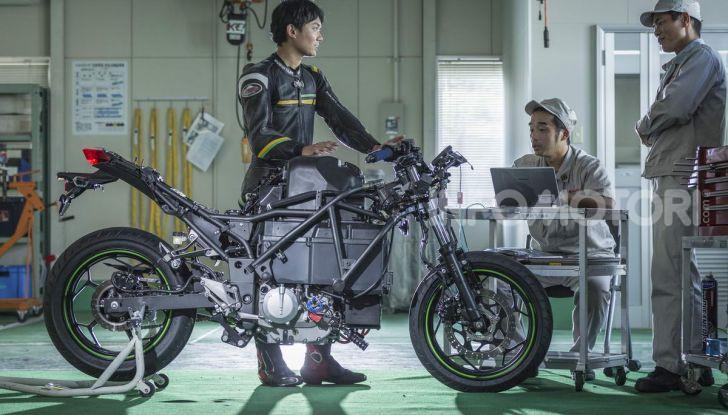 Kawasaki accelera verso la produzione della prima moto elettrica - Foto 2 di 11
