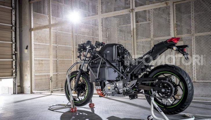 Kawasaki accelera verso la produzione della prima moto elettrica - Foto 7 di 11