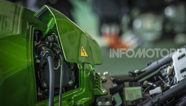 Kawasaki accelera verso la produzione della prima moto elettrica - Foto 8 di 11