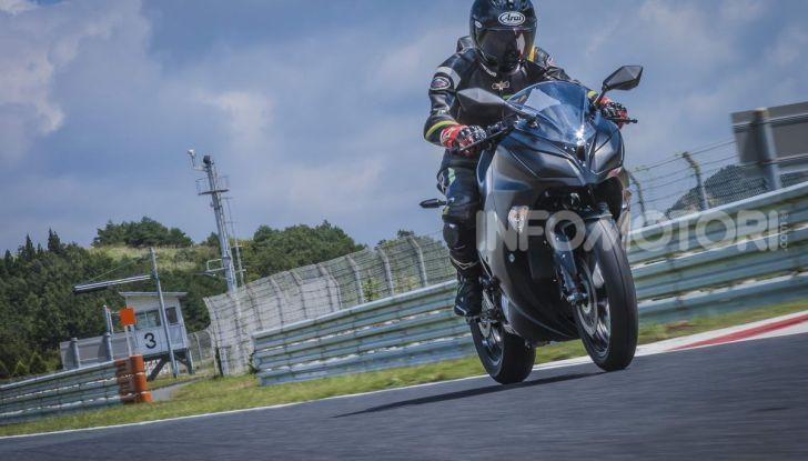 Kawasaki accelera verso la produzione della prima moto elettrica - Foto 9 di 11
