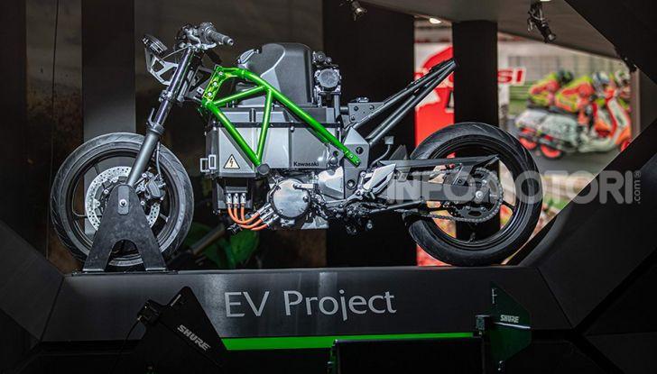 Kawasaki accelera verso la produzione della prima moto elettrica - Foto 10 di 11