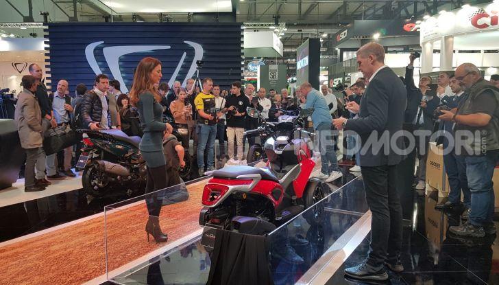 [VIDEO] Quadro diventa Qooder: il re degli scooter elettrici ad EICMA 2019 - Foto 2 di 10