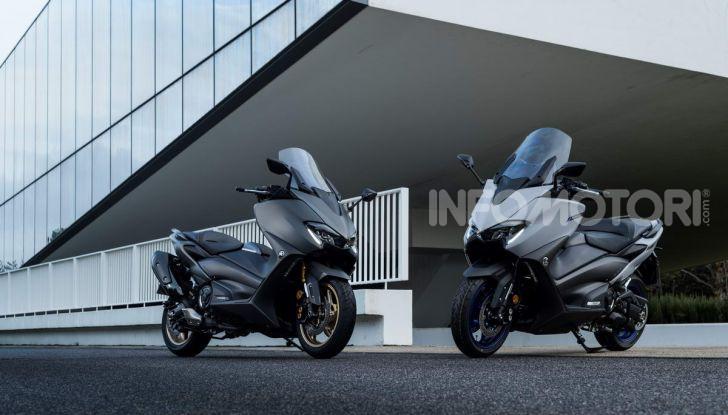 Video prova in anteprima Yamaha TMAX 560 2020, è maggiorenne ma continua a crescere - Foto 2 di 83