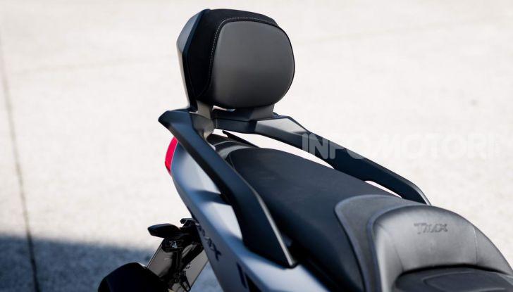 Video prova in anteprima Yamaha TMAX 560 2020, è maggiorenne ma continua a crescere - Foto 23 di 83