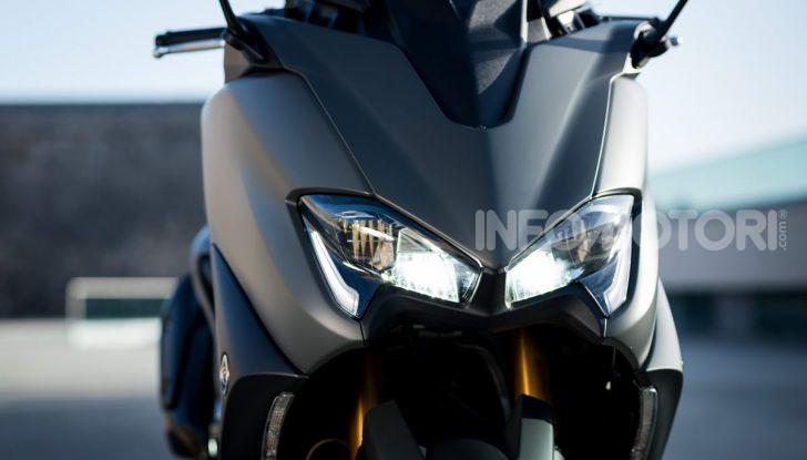 Video prova in anteprima Yamaha TMAX 560 2020, è maggiorenne ma continua a crescere - Foto 37 di 83