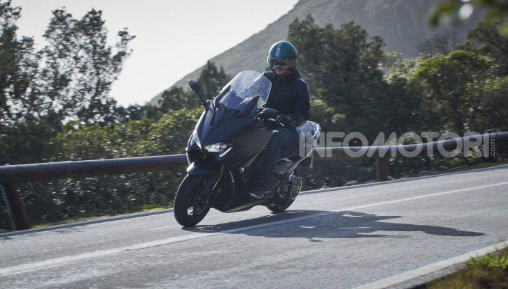Video prova in anteprima Yamaha TMAX 560 2020, è maggiorenne ma continua a crescere - Foto 69 di 83