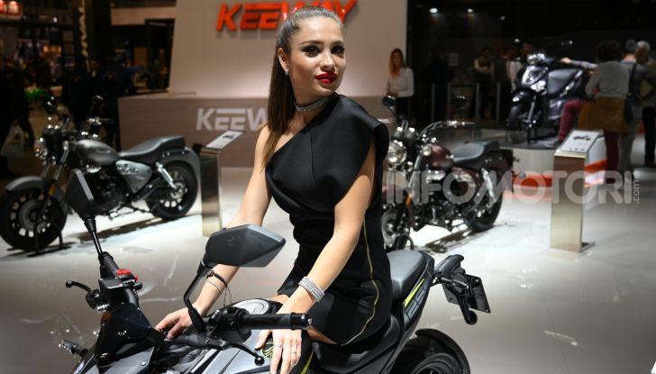 EICMA 2019, bellezze a due ruote e in carne e ossa - Foto 32 di 64