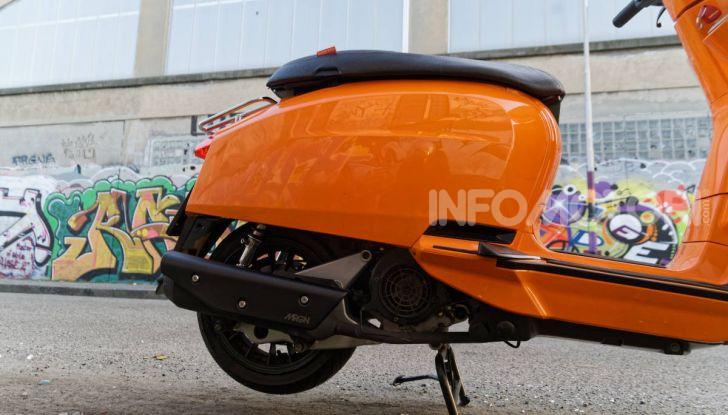 Prova Lambretta V 200 Special, il Lambro torna a scorrere su due ruote - Foto 13 di 25