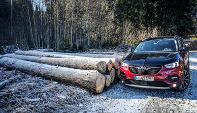 Prova Opel Grandland X Hybrid4, il SUV ecologico per andare ovunque