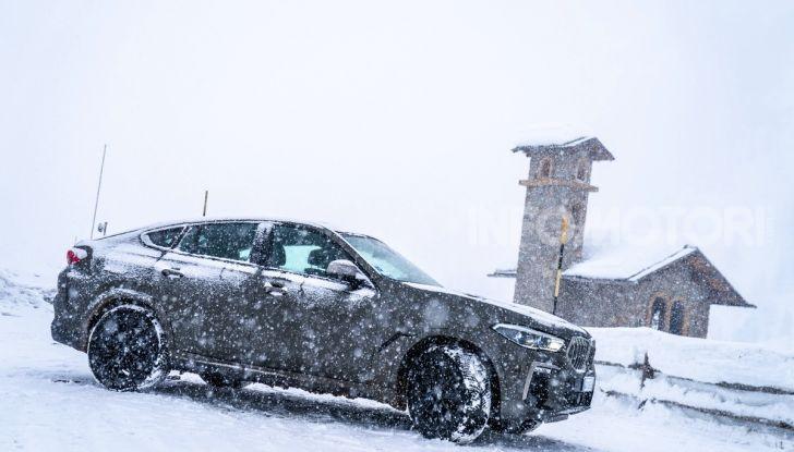 [VIDEO] Il test della nuova BMW X6 2020 sulla neve di Livigno - Foto 7 di 25