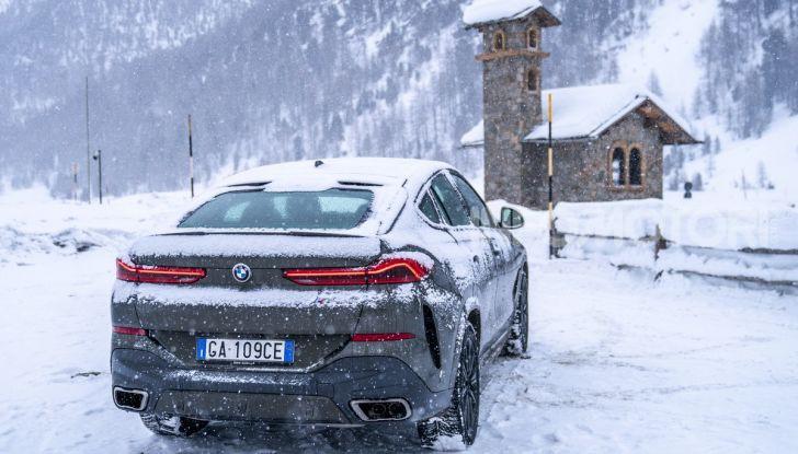 [VIDEO] Il test della nuova BMW X6 2020 sulla neve di Livigno - Foto 3 di 25