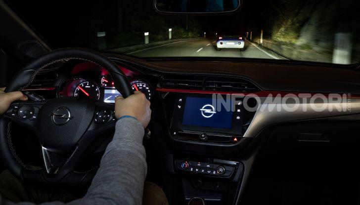 Nuova Opel Corsa, provati su strada i nuovi fari IntelliLux LED matrix - Foto 5 di 9