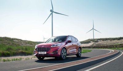 Nuova Ford Kuga 2020: il SUV dell'Ovale Blu vira verso l'elettrico