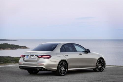 Mercedes Classe E 2020: allestimenti, motori e prezzi - Foto 10 di 19