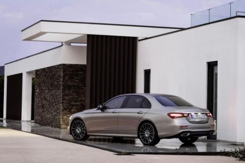 Mercedes Classe E 2020: allestimenti, motori e prezzi - Foto 18 di 19
