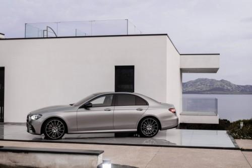 Mercedes Classe E 2020: allestimenti, motori e prezzi - Foto 11 di 19